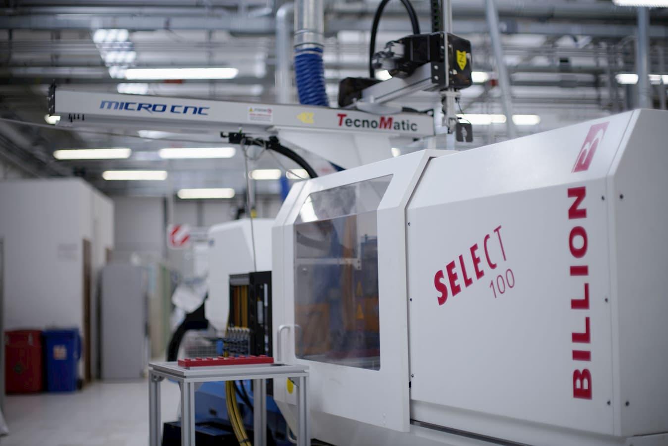 Silcon Plastic - Servizi: Stampaggio ad iniezione