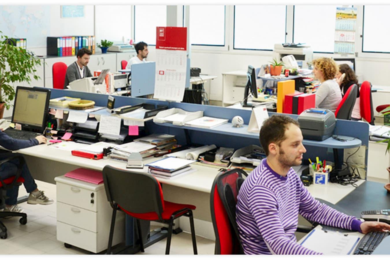 Silcon Plastic - Services: Management Office